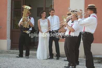 Mini-Band-Citta-in-Festa-per-uscita-chiesa-nuziale