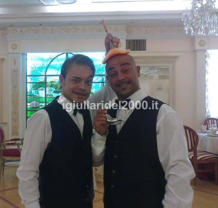 Camerieri-pazzi-I-Giullari-del-2000
