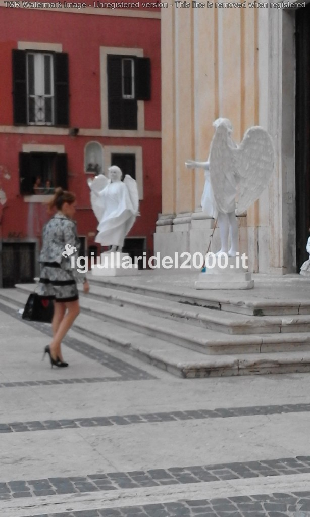 Statue Viventi Angeli